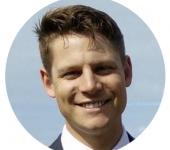 Headshot of Christopher Bowen (LinkedIn profile picture)